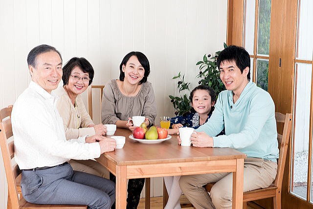 親子関係の悩み、家族の問題を乗り越えるには